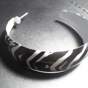 "Black and White Zebra Earrings (Approx. 2"")"